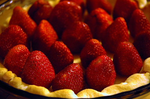 strawberry-pie-pointing.jpg