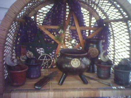 wicca-altar.jpg