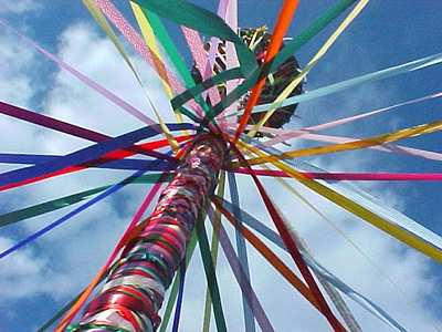 Dancing the Maypole « Deaf Pagan Crossroads