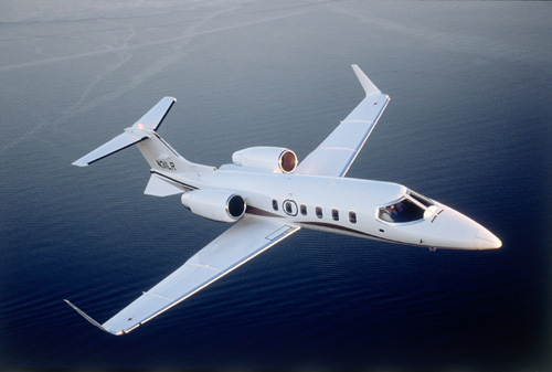 Vikee - pressie Learjet to fly back and forth to Ireland